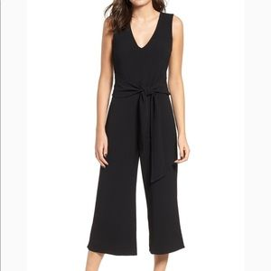 ASTR jumpsuit, tie front, black, v-neck, wide leg
